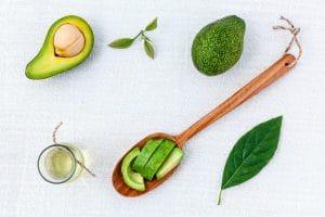 Cosmétiques et huile végétale avocat